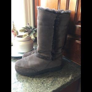 Brown Ugg Sundance Boots 🥾